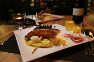 THE PIPE Bar & Bistro food - lot 10 Boutique Hotel in Kuching